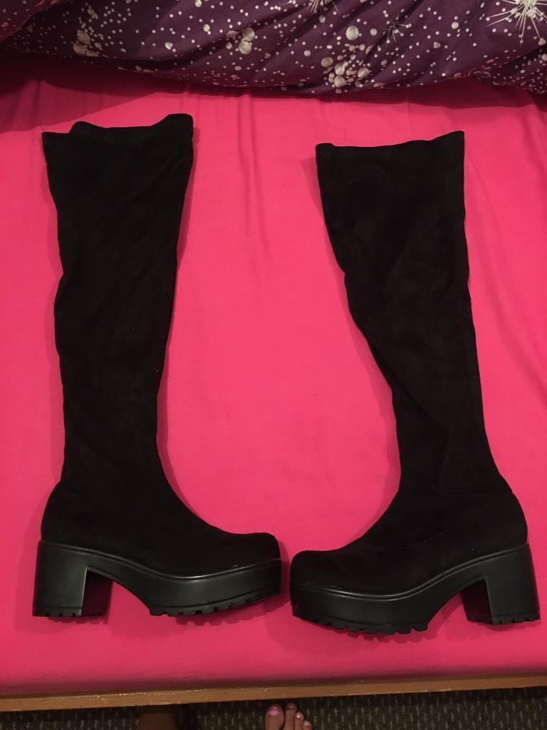 9c8f0a72962 ... Black suede over knee boots block heel size 6 like new