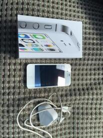 IPHONE 4S IN TOP CONDITION WHITE 8GIG BOXED