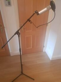 Condenser microphone with or without stand & extras