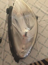 Citroen Picasso Headlamps. Very Good Condition. Removed from 2004 vehicle.
