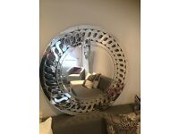 Mirror - Gorgeous heavy feature round wall mirror