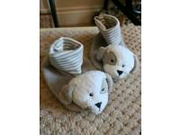 Cute grey puppy baby booties NEW Sizes 3-6 & 6-9 months, in organza gift bag