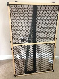 Pet gate extendable