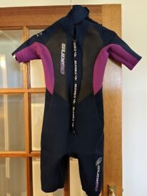 Wetsuit - short. Age 14 years