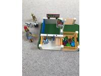 Playmobil zoo/clinic