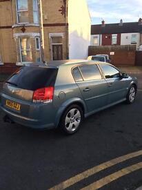 Vauxhall signum 1.9 cdti, 91k miles and SAT NAV.