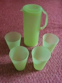 Green Plastic Pitcher Jug Set 4 Stacking Tumblers Cups Glasses Kitchen Garden Party Picnic