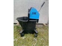 Large Mop Buket With Wringer