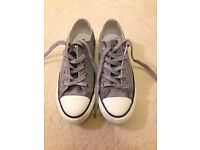 grey converse size 3 only worn twice