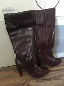 Brown boots size 8, brand new
