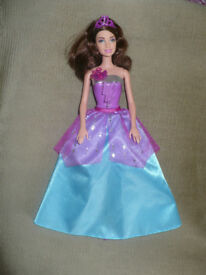Bundle of 4 Barbie Princess Dolls, incl. Corinne. Approx. 29cm tall. Christmas..