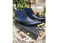 UNWORN BOOTS size 11