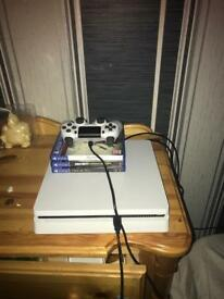Selling my white ps4 slim 500gb due to no time to play