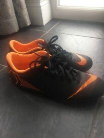 Boys nike turf trainers size 6 new