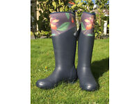 MUCK BOOTS Wellington Boots Warm Neoprene Uppers New Size 4