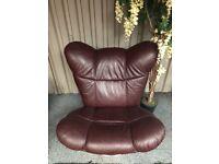 Egg-style tilt and swivel chair in burgundy leather / chrome base - Carlisle