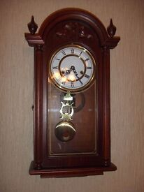 Wooden Wind up Clock - EXCELLENT CONDITION