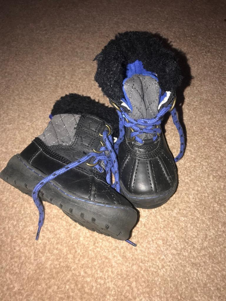 Thinsulate GAP snow boots. 6