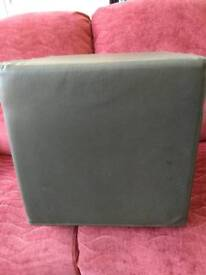 FOOT STOOL ( POUFFE )