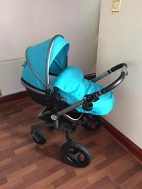 Silver cross surf 2 complete with isofix base, carry cot, car seat