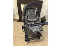 Mamas & Papas checked pram/buggy, matching cosy toes & raincover. In excellent condition