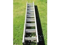 ABRU Triple Extension Ladder 2.57m (8ft 6in) Closed / 6.35m (21ft 0in) Extended
