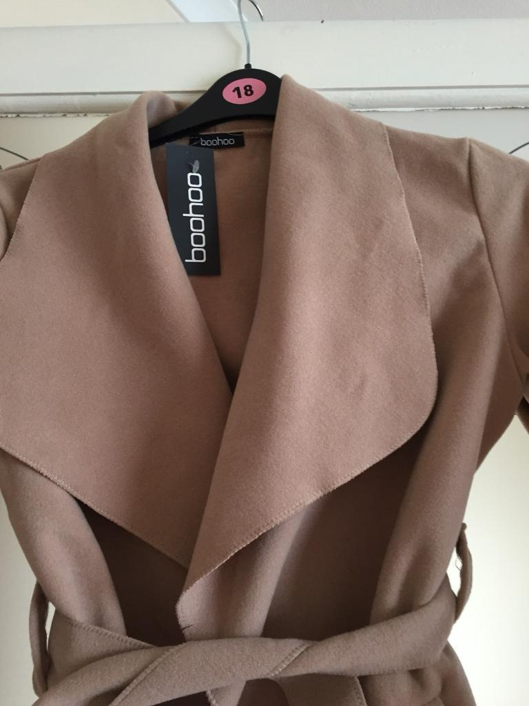 NEW WITH TAGS BOOHOO WRAP JACKET