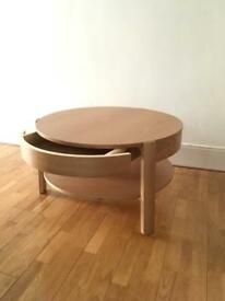 "Coffee table ""Pippa"" from Made"