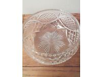 Cut glass fruit bowl in excellent condition