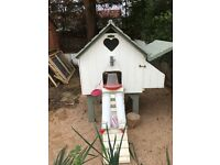Excellent condition chicken house and feeders