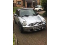 Mini Cooper 1600 Silver / Black. Only 1 Previous Owner. Full Year MOT