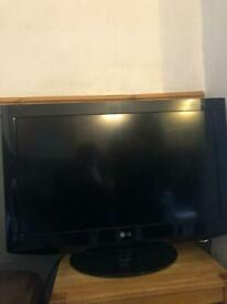 """LG 32"""" TV FOR SALE"""