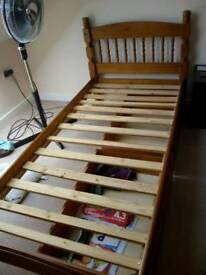 Solid Single pine frame bed