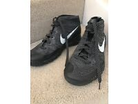 Nike Flyknit high top size 9