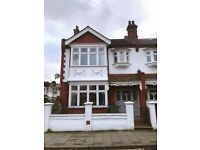 4 bedroom spacious Victorian house to rent in brixton with garden