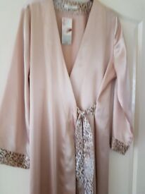 Marks & spencer ladies dressing gown- 12