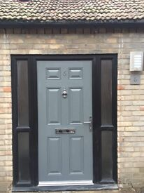 One bed room House, Central Ely