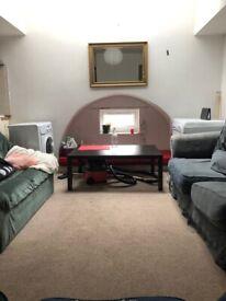 2 Double Bed Flat, Tollcross, Quiet Location