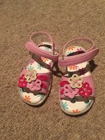 Baby girls size 3 pink sandals