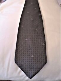 BEAUTIFUL - AUTHENTIC CLASSIC - BURBERRY'S GREY TIE - 100% PURE SILK