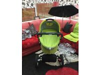 Quinny buzz green (carry cot & stroller)