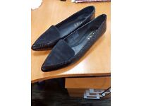 Office black Presley Point Pumps: brand new