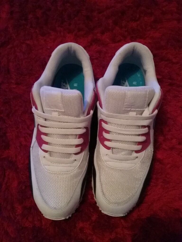 Nike air max 90s size 10