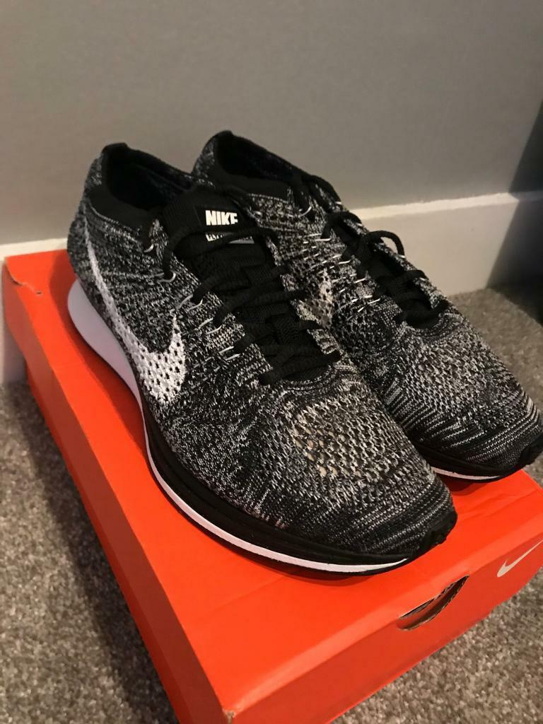 official photos 260bb 18cea Nike Flyknit Racer Oreo size 6