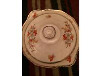 Compleate alfred meaking dinner service absolutely imaculate condition been in storage for 25 years