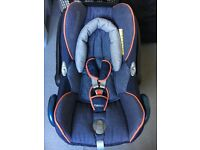 Maxi Cosi Cabrio Group 0 Car Seat & FamilyFix Isofix Base