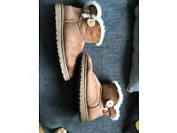 Ladies genuine ugg bailey button ankle boots uk 7.5