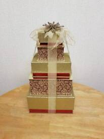 Set of 5 gift boxes.