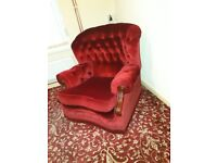Settee and chair. Must go asap . Excellent condition. Cigarette smoke smell.