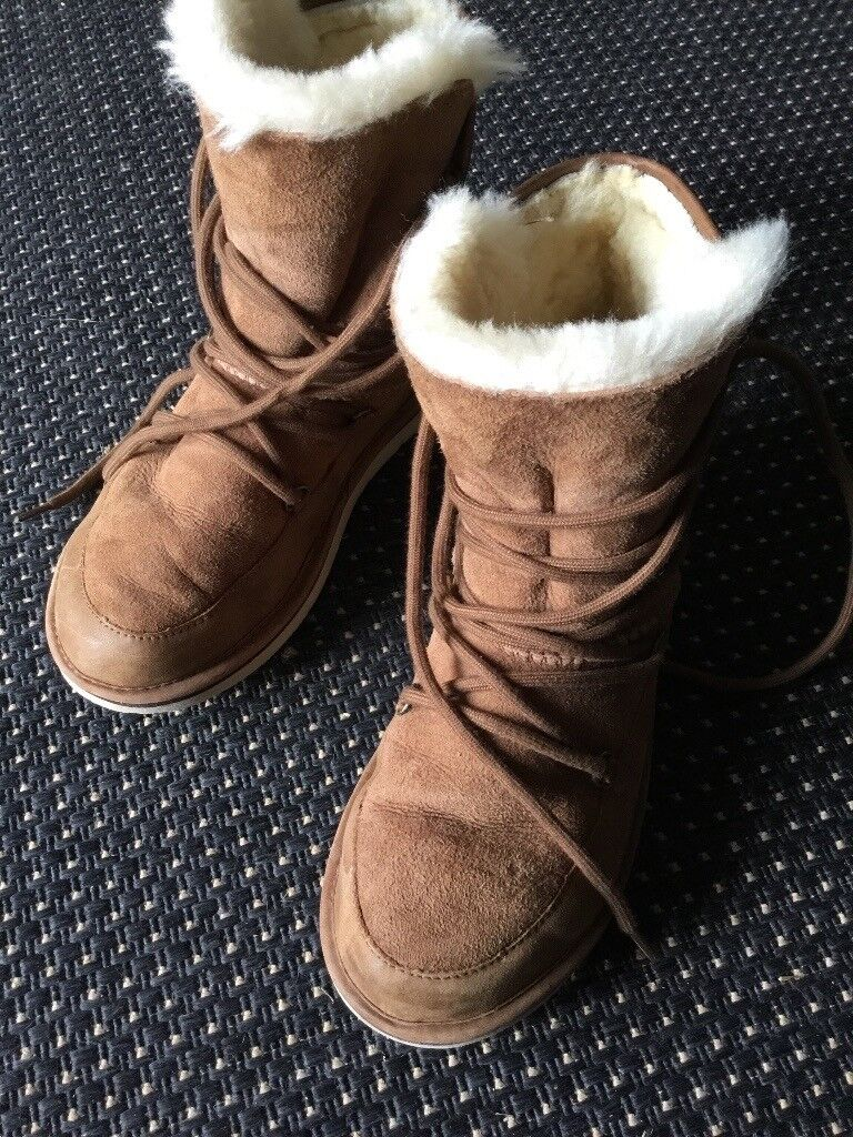 Ugg Lodge boots,chestnut,5.5 in vgc